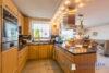 Ruhig gelegenes Einfamilienhaus + Einliegerwohnung + 2 Gästezimmer m. Bad direkt in 23743 Grömitz - Küche