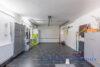 Ruhig gelegenes Einfamilienhaus + Einliegerwohnung + 2 Gästezimmer m. Bad direkt in 23743 Grömitz - Garage