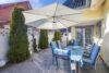 Ruhig gelegenes Einfamilienhaus + Einliegerwohnung + 2 Gästezimmer m. Bad direkt in 23743 Grömitz - Terrasse
