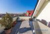 Ruhig gelegenes Einfamilienhaus + Einliegerwohnung + 2 Gästezimmer m. Bad direkt in 23743 Grömitz - Mieter Wohnung OG